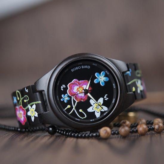 Uniszex fekete virág fa karóra